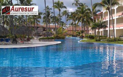 El uso de piscinas no estará regulado hasta finales de mayo